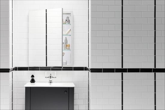 Lifestyle. Kohler K 99007 NA N A Verdera Collection 24  x 30  Mirrored